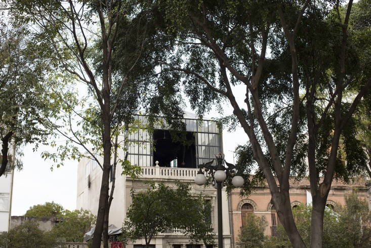 facade of romita restaurant in mexico city by mimi giboin for gardenista